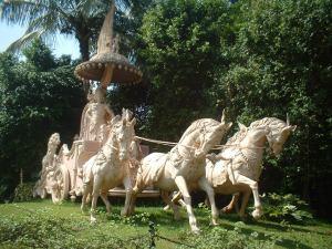Krishna, Arjuna's chariot