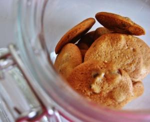 an open cookie jar